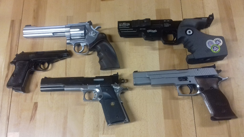 competion guns.jpg