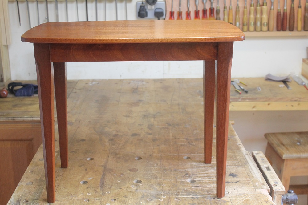 completed table 002.JPG