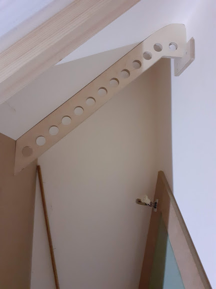 hanging rail.jpg