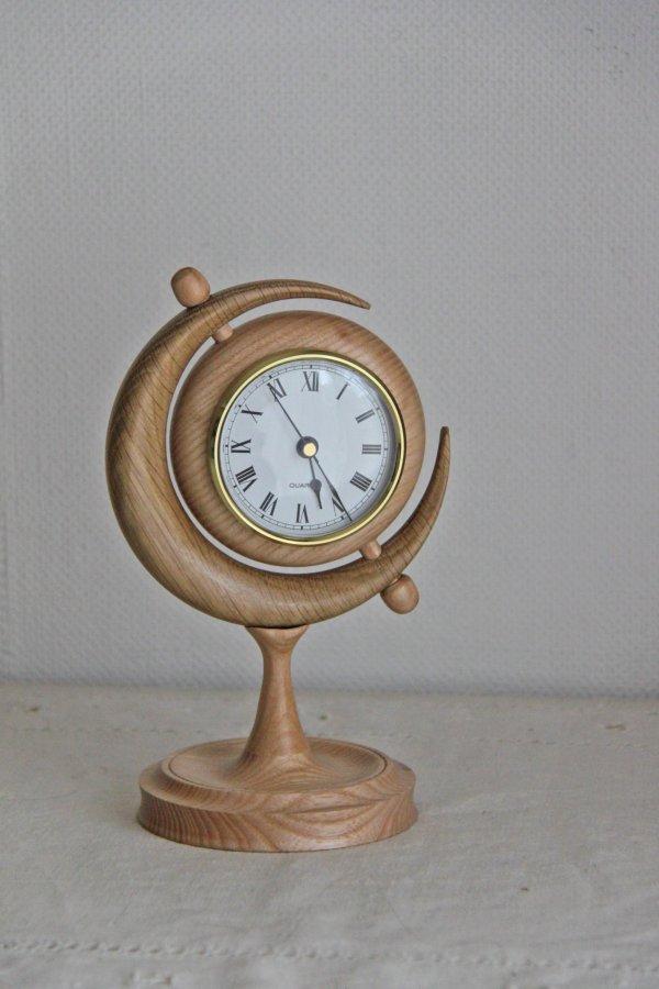 Moon clock 1.jpg