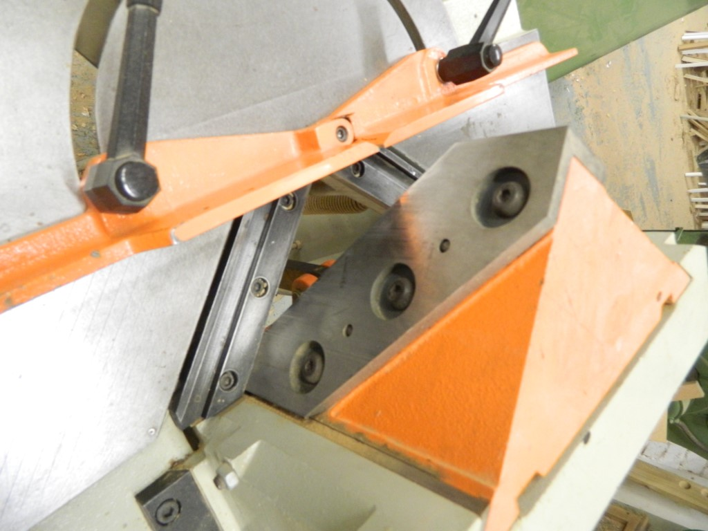 ortoguil guillotine close up.JPG