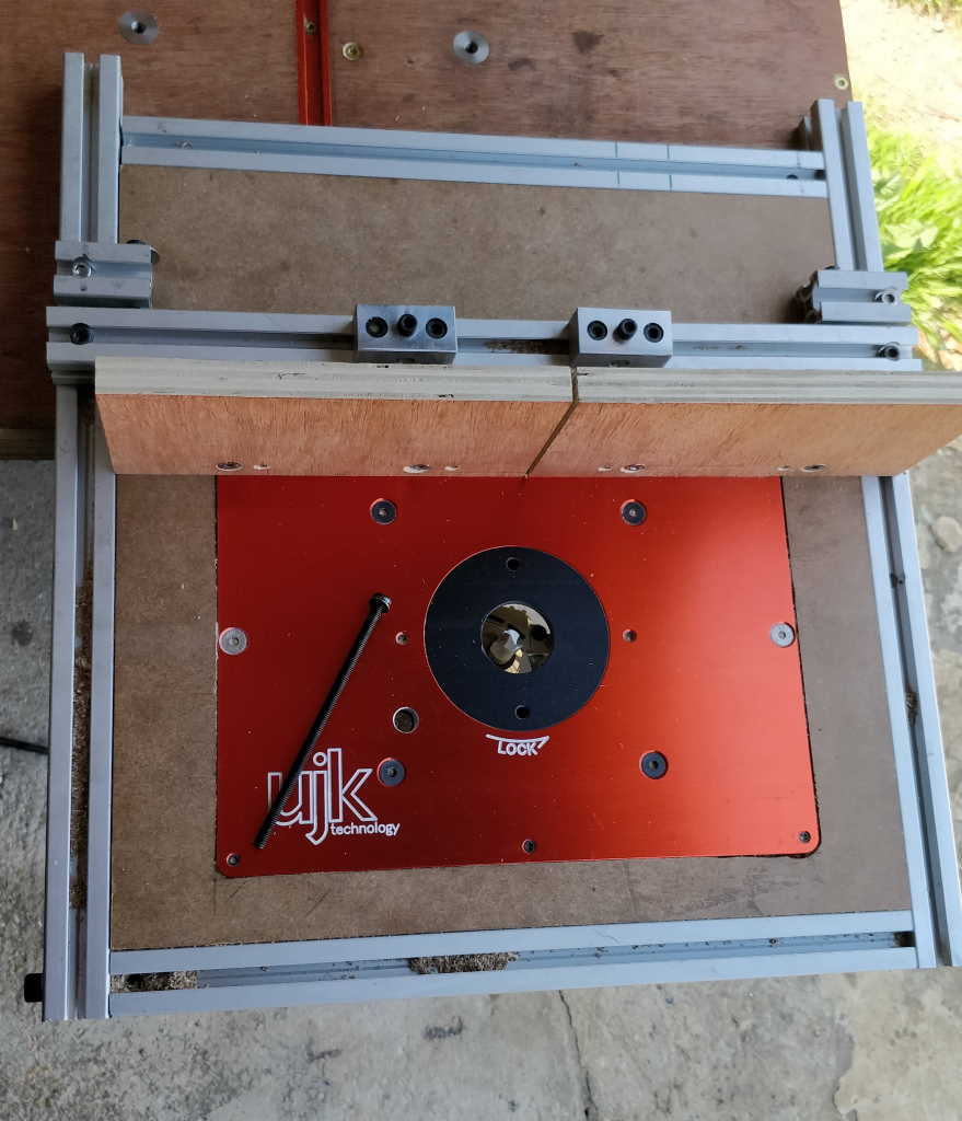 router_table_1024.jpg