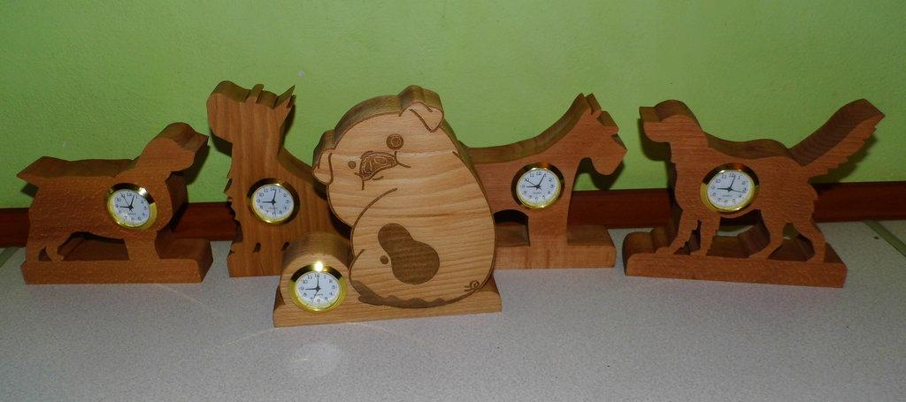 scrollsaw_dog_clocks.jpg