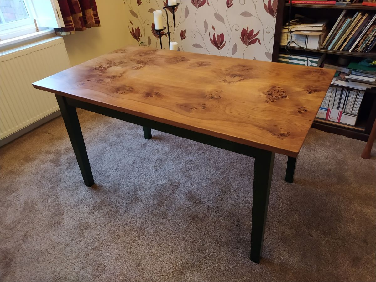 table finished.jpg
