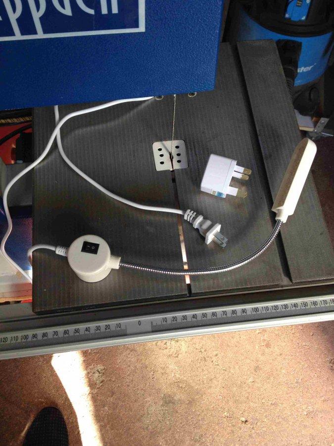 Tip 48a - Bandsaw Light.jpg