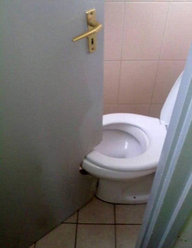 toiletdoor1.jpg