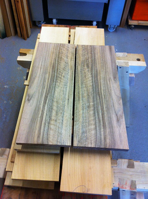 Walnut-Bookmatched-Top-2.jpg