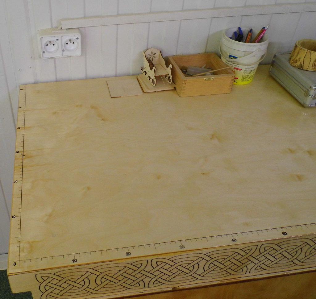 Work bench (5).jpg